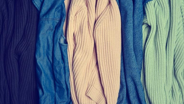 ニットなどの服の塊