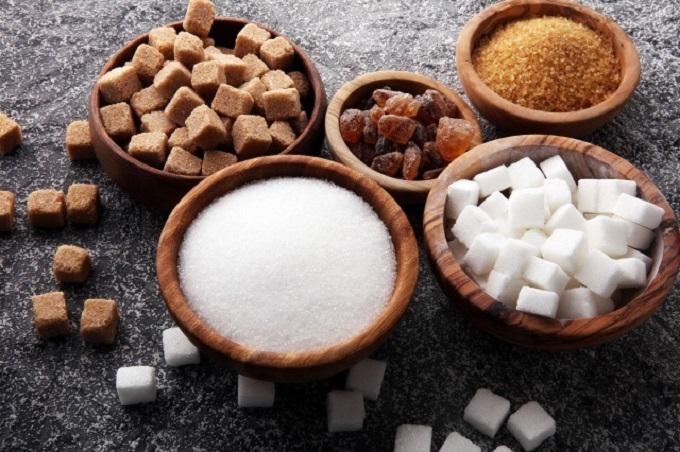白砂糖、黒砂糖、三温糖など